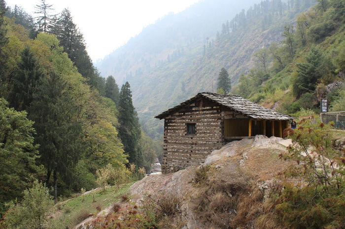 Architecture Beauty In Nature Built Structure Countryside Himachalpradesh House Indianvillage Mountain Nature Outdoors Remote Rural Scene Scenics Tree Trekking #travelling #sightseeing Valley WoodLand