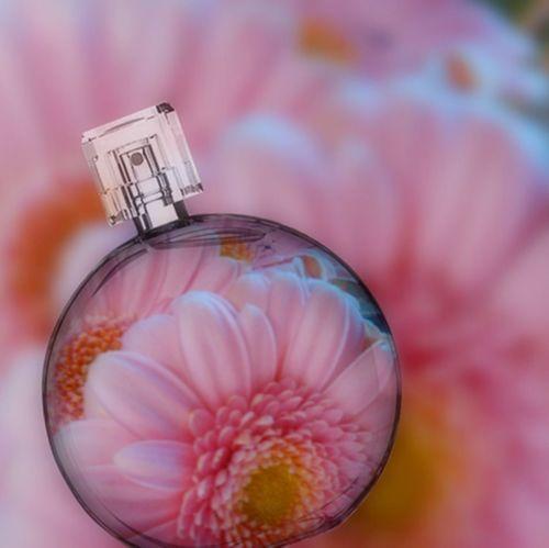 Botany Detail Elégance EyeEm EyeEmbestshots Flower Fragility Freshness Glass Ladyphotographerofthemonth Perfume Perfumelover Selective Focus Still Life