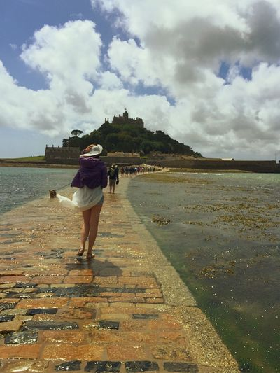 St. Michael's Mount Marazion Cornwall Cornwall Uk Cornwall Beach Low Tide Walk Walking Around Walkway Walk On Water Walk This Way To The Castle Walking Water Surface Low Tide Zone Low Tide Revelations Low Tide, Dry River Bed Lowtide  Lowtidephotography Walk On Water!
