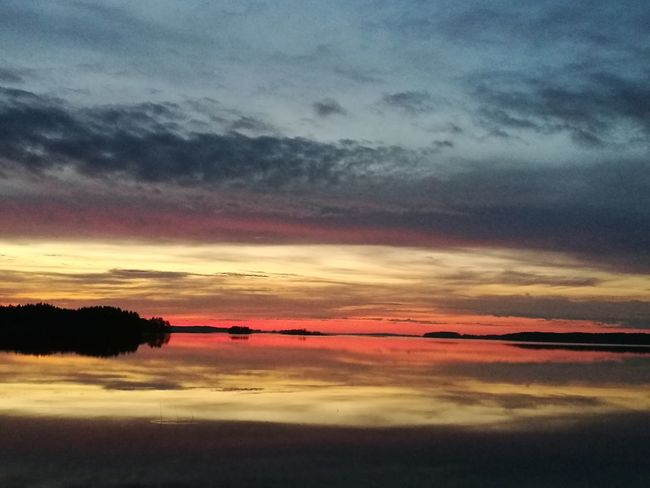 Beauty In Nature Horizon Outdoors Nature Midnight Summer Dramatic Sky Landscape Horizon Over Water Night Water Blue No People Power In Nature Sunset Reflection Sky Beach Red Sea Savonlinna Opera Festival Finlande Finland Savonlinna Finland Savonlinna Finland Punkaharju Savonlinna