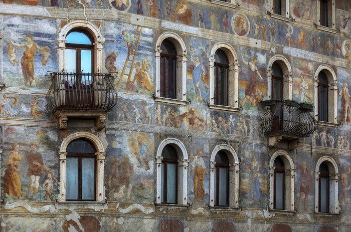 Architecture Building Exterior Case Cazuffi-rella Frescos History Italy❤️ Travel Destinations Trentino Alto Adige Trento, Piazza Duomo