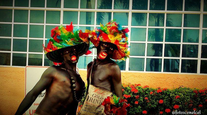 Everything In Its Place son de Negros. Carnaval de Barranquilla. Fotografías Con El Celular. @fotosconelcel Pictures With Cell