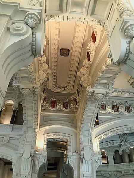 Ayuntamiento de Madrid. Guapo por dentro y por fuera. Madrid. iPhone.