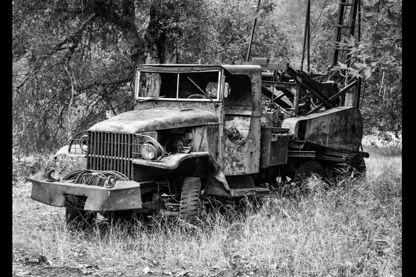 I love old trucks Abandoned Black And White Michellerobertsonphotography California Carmelvalley Monochromatic 831 Truck Oldtruck Militarytrucks Backroad