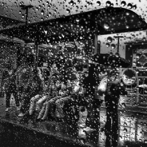 Drops [Photo/Charlie Images] Drops Rain People Santiagord streetphoto bw