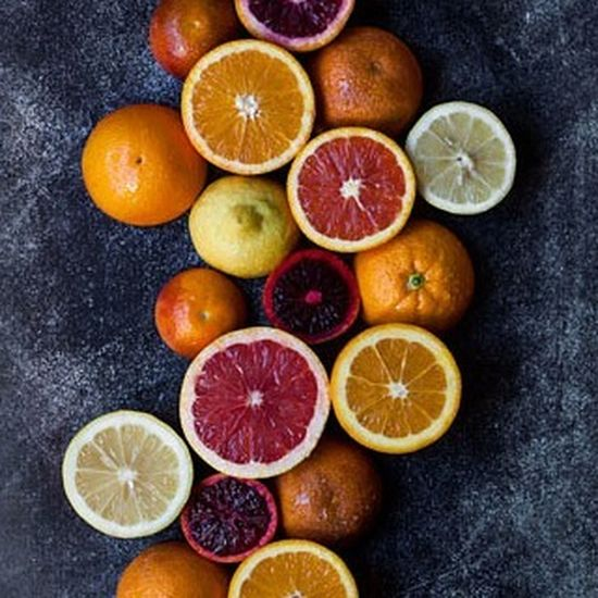 more citrus 😎💛 Fruits Fruit Orange Color Citrus  Winter Juice Juicing VEGANLIFE Veganfood Foodstagram Foodphotography Foodstyling Darkfoodphotography Darkfood Plantbaseddiet Plantbased Stilllifephoto StillLifePhotography StillLife Raw