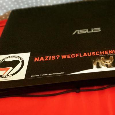 Nazis wegflauschen! Antifa