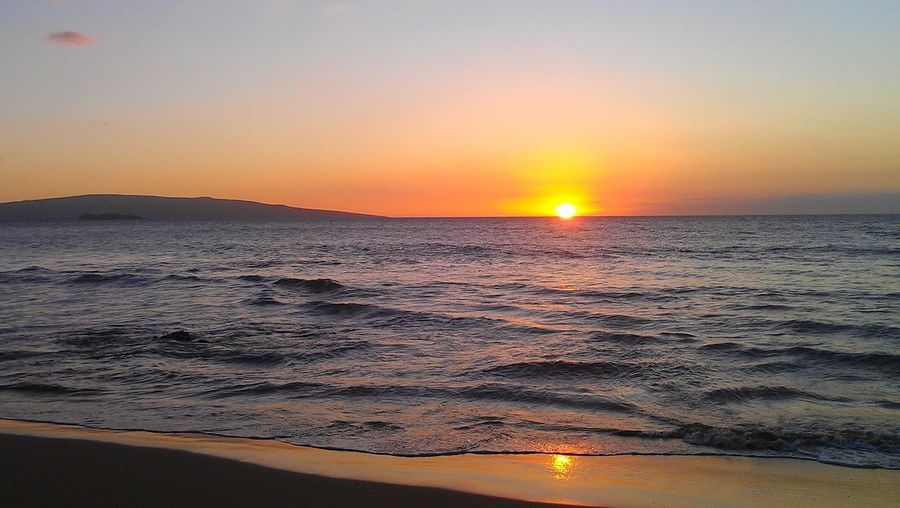 Maui Sunset Sunset #sun #clouds #skylovers #sky #nature #beautifulinnature #naturalbeauty #photography #landscape Ocean Beach No Filter, No Edit, Just Photography MauiOnMyMind Reflections In The Water Reflection Perfection  Reflection