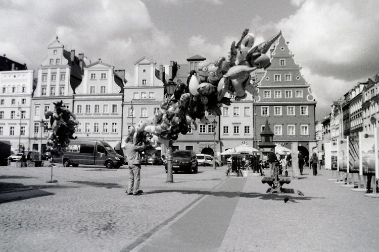Analog Analogue Photography Architecture Balloon Seller Balloons Black And White Blackandwhite City City Life City Street Day Fomapan Lines Old Town Outdoors Pentacon Praktica Film PhotographySky Street Streetphoto_bw Streetphotography Urban Exploration Urban Life Urbanphotography