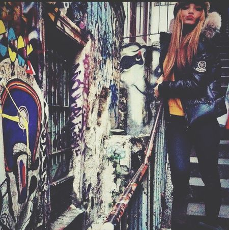 Frappe Blondgirl Montmartre Stairs