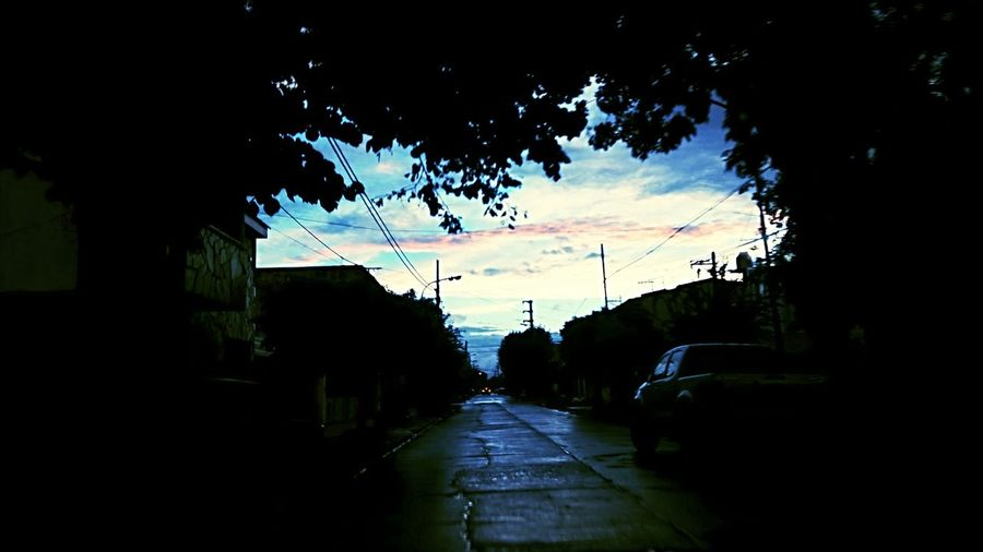 Lluvia Gotas Tree Sky Wet Nature No People Road Rain Outdoors The Way Forward Water Silhouette Illuminated Beauty In Nature Night