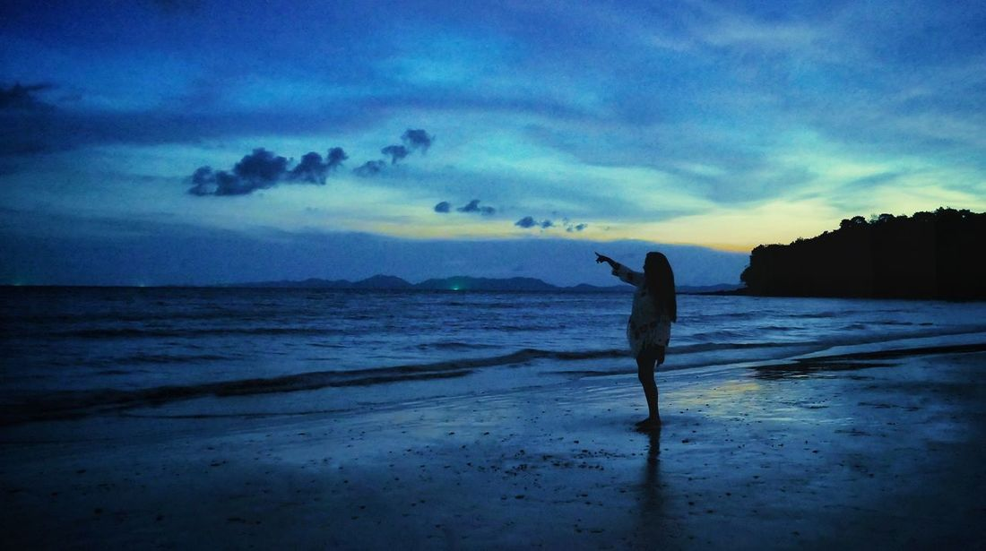 Evening At Krabi Thailand EyeEm Best Shots Gpmzn Shot With A Leica Leica Photography. Leica Lens Beauty In Nature The Beauty Of Krabi Great Morning The Shades Of Blue Seascape Beautiful Horizon Wallpaper Of The Day Shore Dramatic Sky Calm Ocean Capture Tomorrow