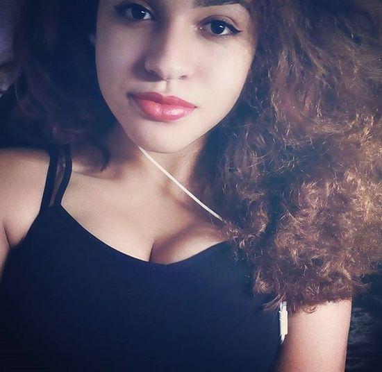 Kind of straight, wavy, curly hair 😂 Redbrownhair Shraighthair Fromcurlytostraight Straightwavy Redlips Latina Brazillian 🎈👻 😚 EyeEm Eyeemoninstagram Lel