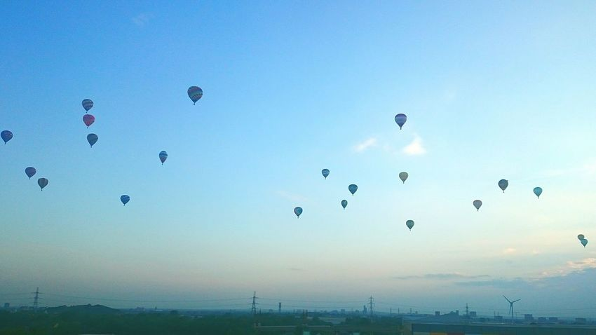 When you open your eyes and this is the first thing you see out of window! Sunrise Hotairballoons Parade Home Sweet Home Blue Sky