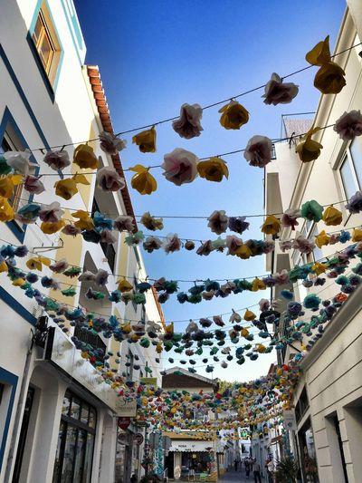 Streetart Streetdeco Paper Flowers Celebrating Saint Antoine Colorful Costa Vicentina Portugal_lovers Portugaligers Portugalcomefeitos