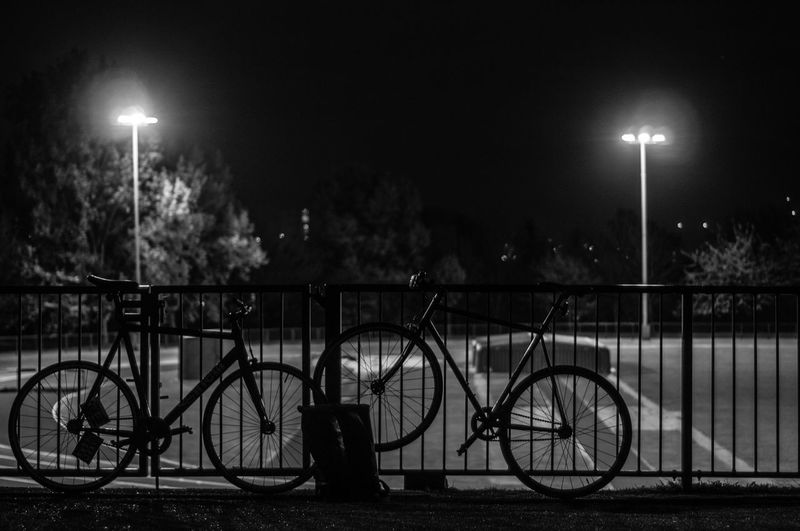 Bicycle Bicycle Rack Fixed Beers Fixed Gear Fixie Illuminated Land Vehicle Mode Of Transport Night No People Outdoors Sky Street Light Transportation Tree