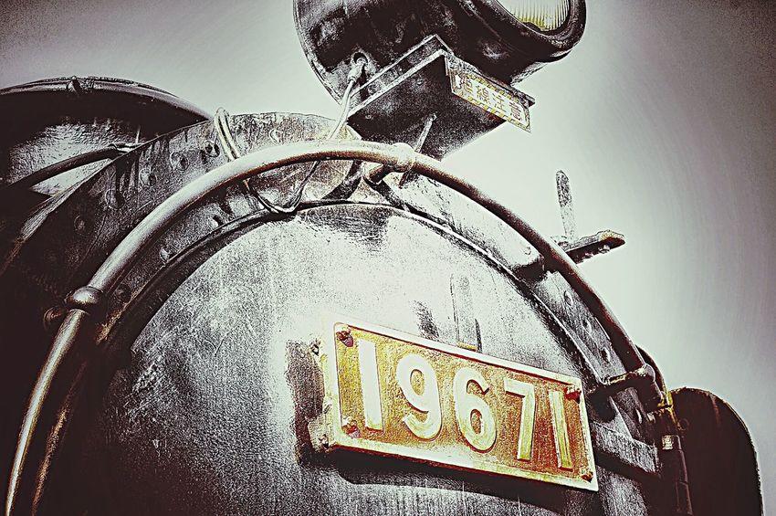 鉄 EyeEm Best Shots Metal Lightandshadow 汽車 機関車 北海道 Bnw Train Trainphotography Light And Shadow Black And White Collection  Bnw_collection Bnw_captures Colorsplash