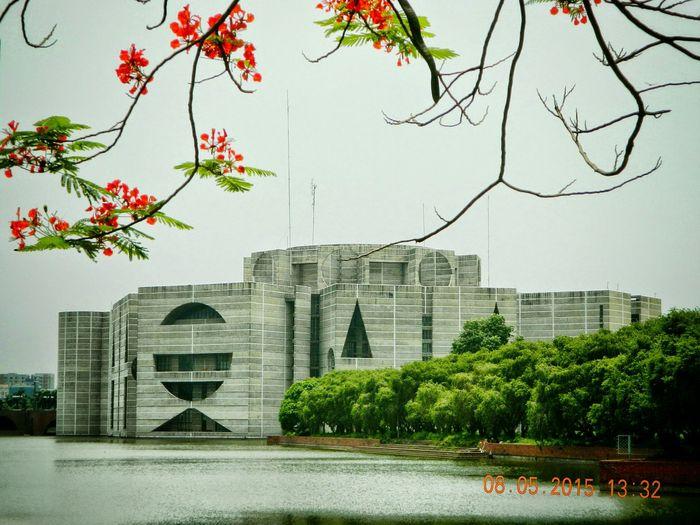 The National Assembly Building Legend Amazing Place EyeEm Bangladesh Architechture Geometric Design Urban Geometrics Hanging Out The Legend Louis Khan