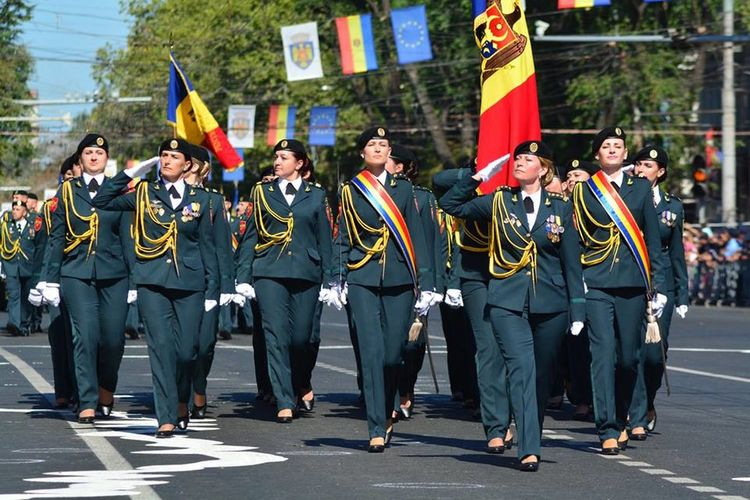 Solider Salutes Girls Soliders Independence Day Republic Of Moldova Celebration