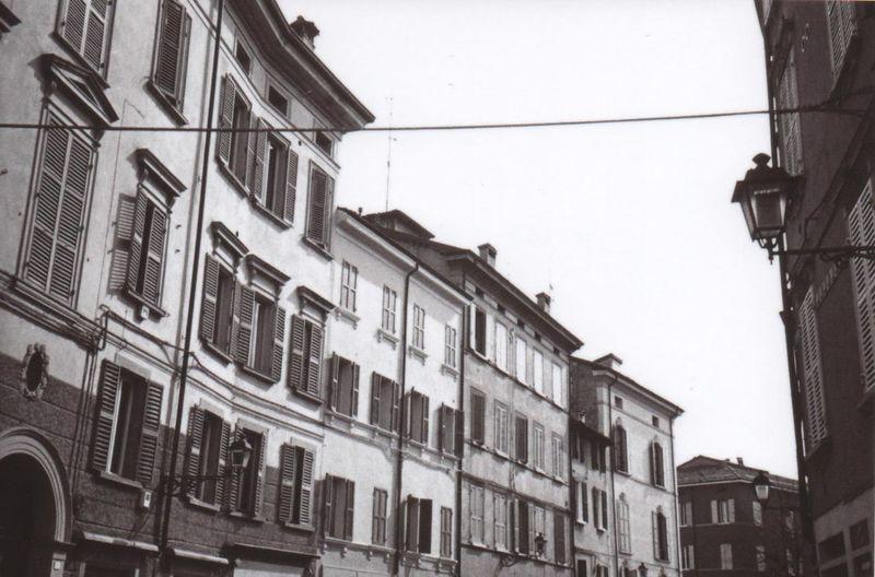 Reggio Emilia, viale Ariosto Building Exterior Architecture City Outdoors No People Sky Day Streetphotography Lines Italia Filmphotography Street Perspective
