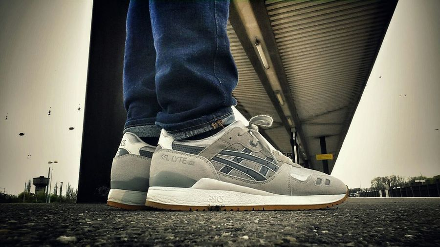 Wdywt? WDYWT Streetphotography Sneakerhead  Urbanphotography Sneakers Asics Gel Lyte III Asics Street Fashion asicsgellyte3