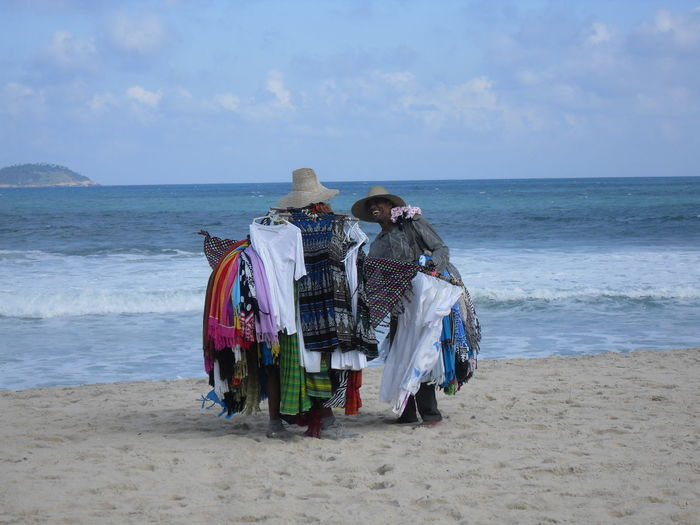 Beach Holiday Scenes Local Vendor Seaside Selling Shore Tourism Vacations