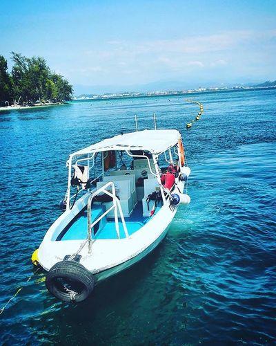 Pulau Manukan, Sabah, Kota Kinabalu. Manukanisland Sabah Kotakinabalu Landscape Landscape_captures Landscapephoto Landscapephotography Nature Naturephotography Naturelover Instanatureplaces Instanature Instanaturelover Ocean Island Blue Beautiful
