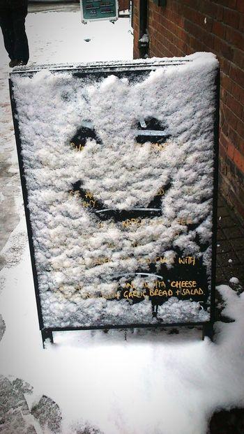Smile and be happy Smile ✌ Smile And Be Happy Happiness Sonrisas Felicidad Nieve Invierno Winter Snow Winter Cold Temperature No People Day Nature Outdoors