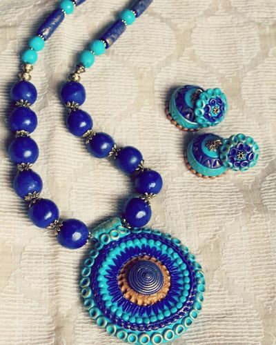 Contemporary jewellery Polmerclayart Mayuriterracotta Polymer Clay Jewelryphotography Jewelrydesigner Handmade Jewellery Handmade Jewelry Handmade Accessories Handmadewithlove