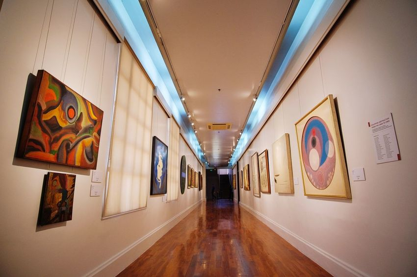 hallway National Museum Arts Culture And Entertainment Arts Hallway EyeEm Selects Indoors  Multi Colored No People Architecture Day