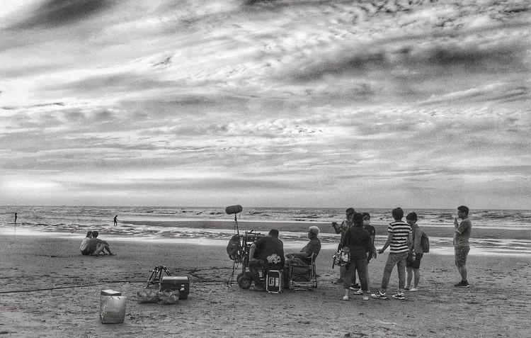 風雨前幾日,奔向海岸處。