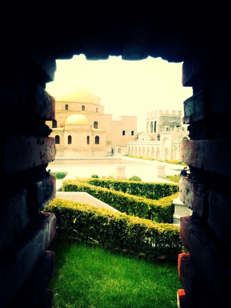 architecture, built structure, building exterior, history, castle, no people, day, outdoors, travel destinations, nature, sky, grass, ancient civilization