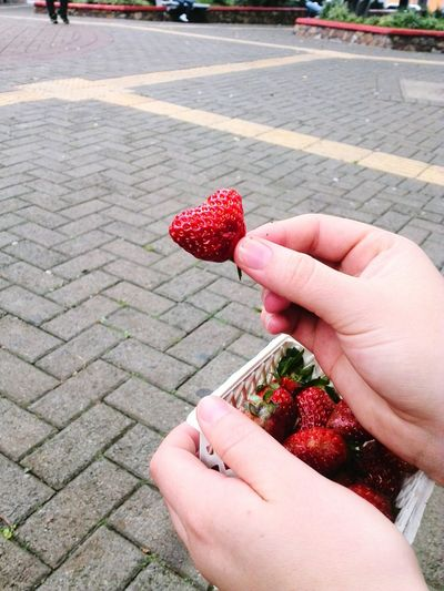 Strawberry Love Fresas Heart ❤ Taking Photos Hello World Check This Out EyeEm Gallery EyeEmBestPics Enjoying Life EyeEmNewHere
