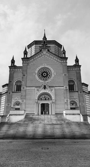 Cimiteromonumentale Milan Italy EyeEm Best Shots EyeEm Italy EyeEm Bnw Black & White Urban Geometry Bw_collection Architecture_bw