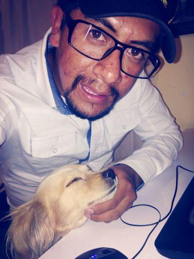 Amenizando esta bella noche de trabajo, en compañia de... Dog I Love My Dog My Dog <3