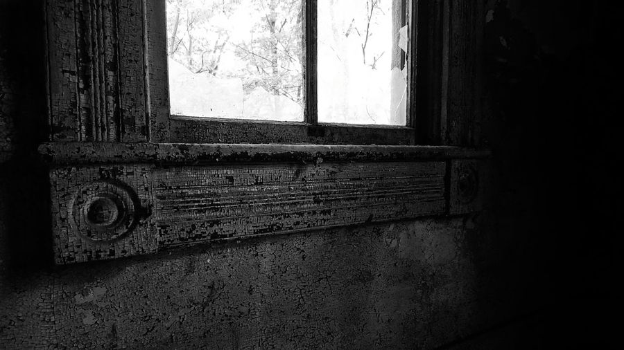 Crown Molding Window Window Sill Abandoned Abandoned Places Abandoned Buildings Abandon Abandoned_junkies Looking Out The Past Peeling Peeling Paint If These Walls Could Talk Kansasphotographer Kansasphotos Kansas Abandoned House Abandoned Building Black And White Black And White Photography Black & White Solitude Solitary Solidarity Black And White Collection