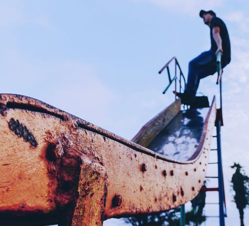 Chilling Skateboard Park Sport Men Sky Skateboard Snowboarding Bmx Cycling Extreme Sports Windsurfing Parachute Ski Slope Longboard Skating Ski Goggles Ski Holiday Skiing Helmet Powder Snow Ski Resort  Ski Jacket Skydiving Paragliding Ski-wear Verbier Skating Skiing Winter Sport Ski Pole Sports Ramp Surfer Stunt Ski Track