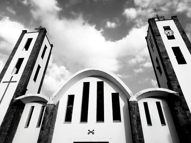 Huamantla, Tlaxcala. Mexico Mexicanphotographer 2018 Nopeople Blackandwhite Clouds And Sky Cloud - Sky Angles And Lines Trip Photo Destinations Amateurphotography Vacations Religious Architecture Like4like Likeforlike EyeEmNewHere Contrast Travel Destinations Travel Photography Church Day Building Exterior Cloud - Sky Architecture No People Built Structure Sky Politics And Government