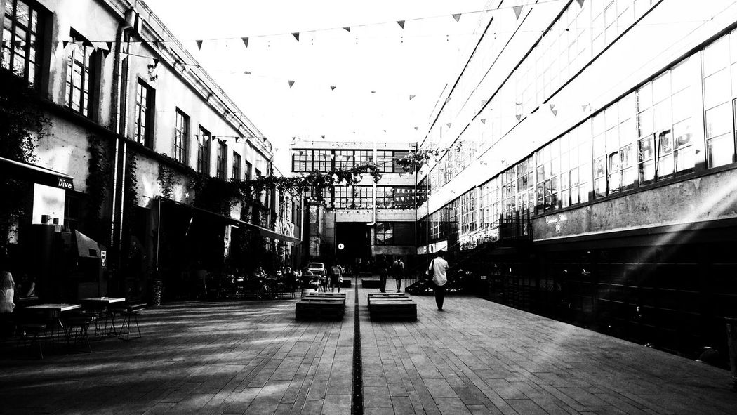 Architecture Built Structure Outdoors No People Day City Tbilisi Art And Craft Photooftheday Contrast Blackandwhite Black And White Darkness And Light Lightanddarkness Architecture Fabrikatbilisi