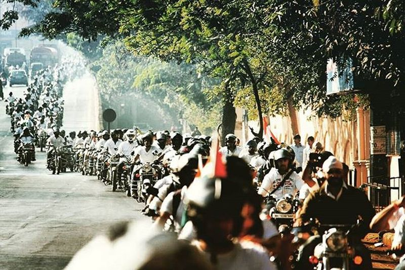 🏁Royal Ride🏁 26th January 2016 Republicdayofindia2016 💞Republicdayspecial Royalenfield Royalriders🏁 Ride RoyalRide Morningride 270enfield Puneinstagrammers MyClick Photooftheday Picoftheday Photografy AwesomeDay Fununlimited Dhukdhukdhuk Firstloves Bikes Brcpune