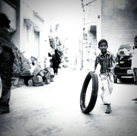 Shades Of Grey Check This Out King Yousuf Childhood Streetphotography Kids Having Fun India First Eyeem Photo
