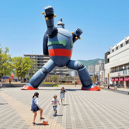 Are you ready Freedom Day Outdoors Motion People Sky Robot Japan Public Football Play Playground Ready Kick Ball Street Streetphotography Sport Activity