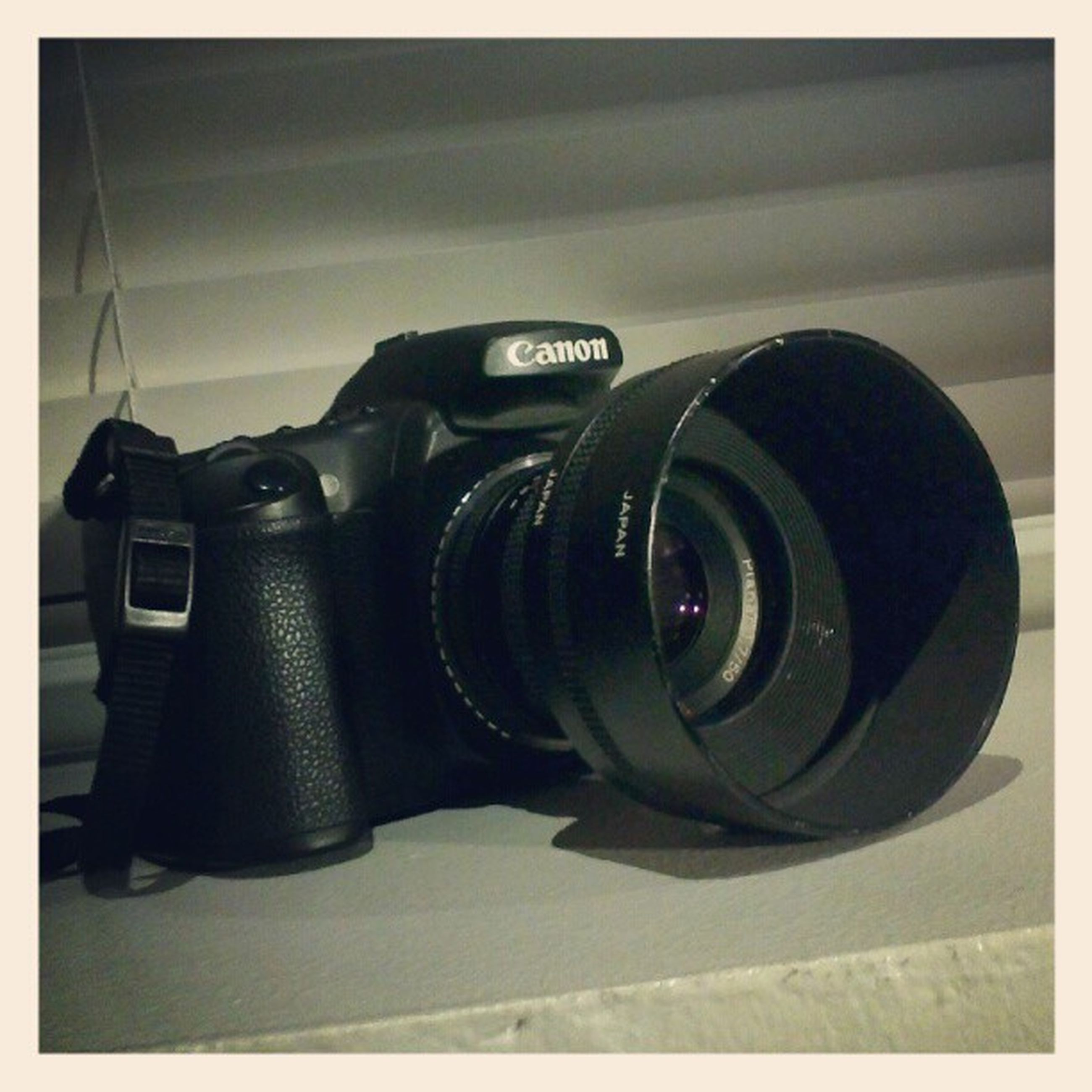 technology, close-up, photography themes, retro styled, camera - photographic equipment, indoors, old-fashioned, auto post production filter, transfer print, metal, still life, equipment, no people, focus on foreground, machine part, single object, photographing, communication, digital camera, machinery