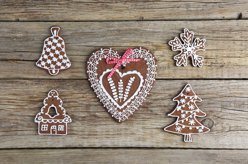 Christmas Decoration Gingerbread Cookies Shapes Food Love Homemade Heart Shape Wood - Material Cookie Sweet Food Baked Gingerbread Cookie No People Still Life Food And Drink Indoors  Sweet Shape Design Positive Emotion Emotion Directly Above Icing
