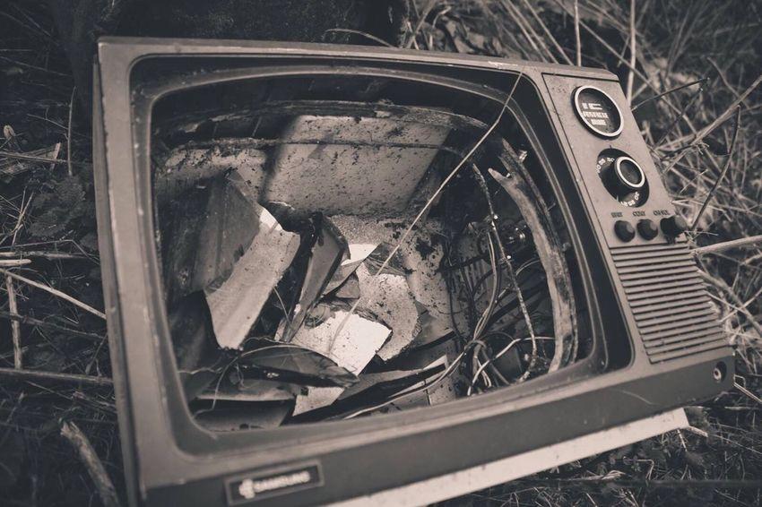 Photography Television Televisionset Old Broken Abandonedplaces Abandoned Sploring Exploring