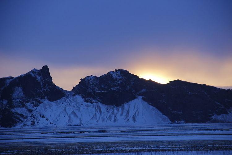 mountain sunrise Colour Your Horizn Iceland Sunrise Sunrise Winter Sunrise