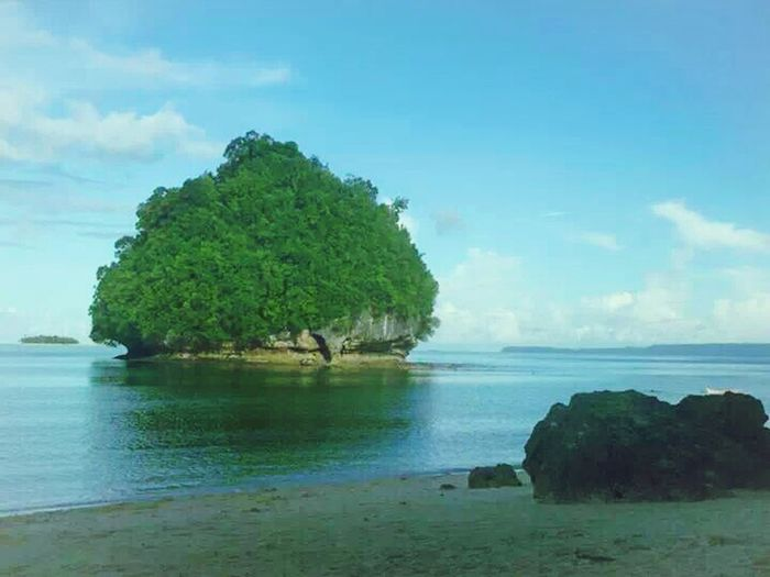 Awesomeness is the right term for this islet. Being A Beach Bum EyeEm Nature Lover Sea And Sky Wanderer