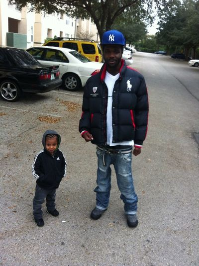 Mobbing wit the lil devil it was type chilly Dismorning
