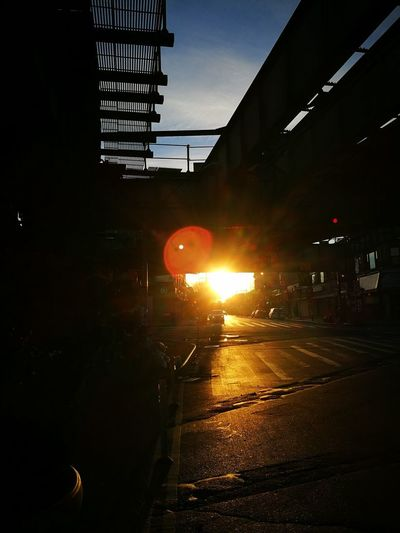 Brooklyn Sunrise Subway Platform Early Morning So Beautiful  Day One Looking Forward Great Week New York City No Edit, No Filter, Just Photography EyeEm Best Shots The Week Of Eyeem Welcome To Black HuaweiP9