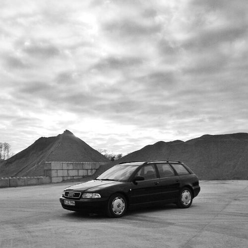 Playing with #snapseed #car #Audi #audilove #a4 #b5 #a4b5 #avant #bw Sky Car Audi Bw Skyporn Snapseed A4 B5 Avant Audia4 Instaaudi Audigram Audilove A4b5